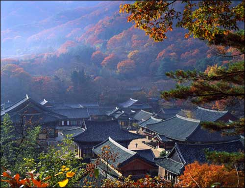 SONG GWANG TEMPLE IN AUTUMN...